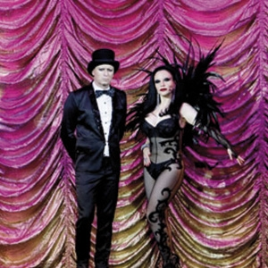FANGORIA GETS BURLESQUE IN CAFÉ OLÉ